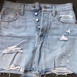 LEVI'S Premium Distressed Jean Skirt Size 26
